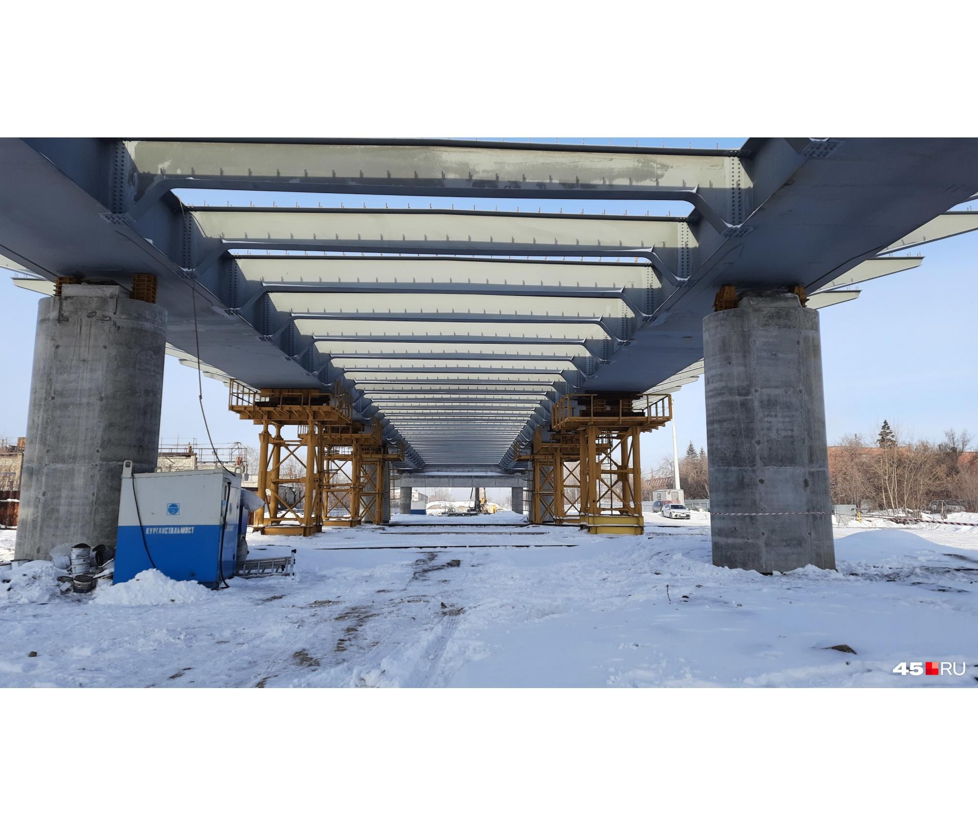 Мост планируют сдать уже этим летом