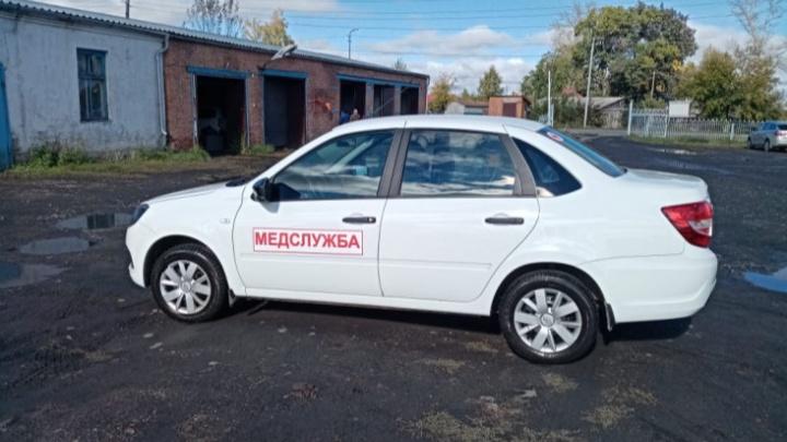 Больницы и поликлиники Новосибирской области получили более 50 новых автомобилей