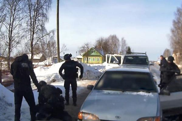 Мужчин задерживали с помощью отряда специального назначения «Гром»<br>
