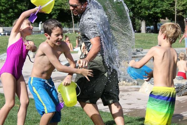 Более 36 детских лагерей в Новосибирской области уже вошли в программу кешбэка