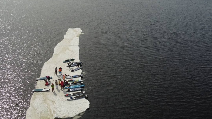 Стало известно, как самарцы оказались на льдине посередине Волги