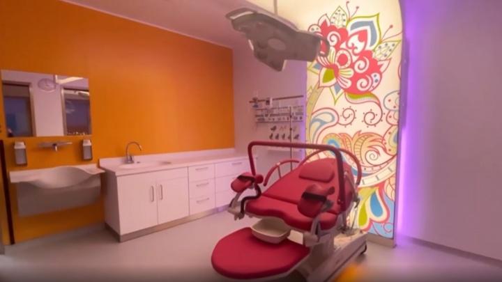 Что внутри не прошедшего госэкспертизу перинатального центра в Сургуте? Вот видео