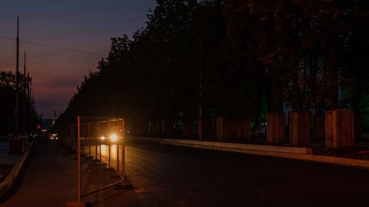 В темное время суток ходить невозможно: почему на части Компроса не работают фонари и когда их включат
