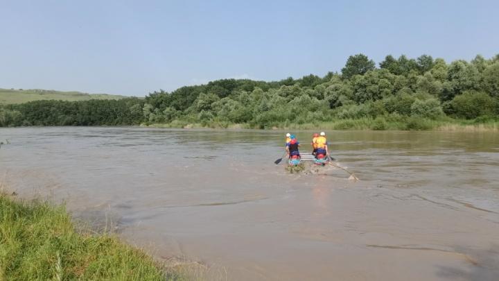 В Краснодарском крае 12-летнюю девочку унесло течением реки Кубани