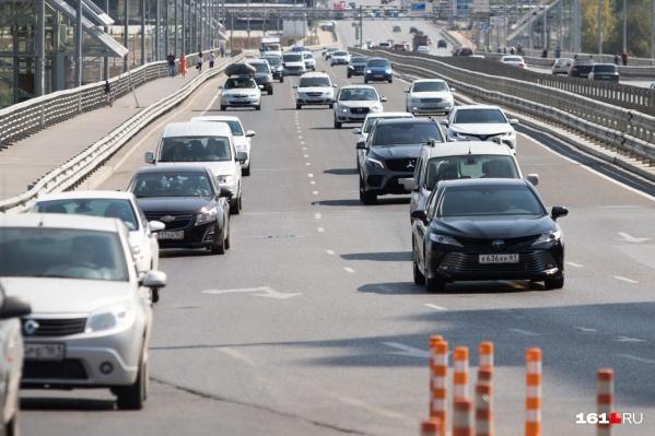 Закрытие моста спровоцировало пробки в Ростове