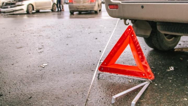 «Скользим, как по льду»: в Самаре перекрыли улицу Авроры