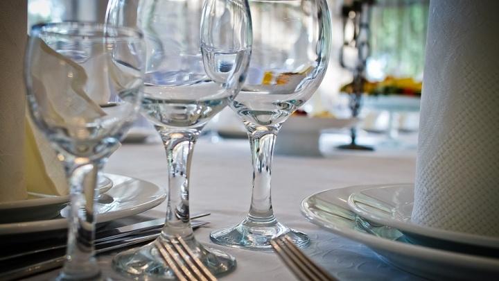 Бабушкин хрусталь: какую посуду лучше ставить на стол — правила сервировки для чайников