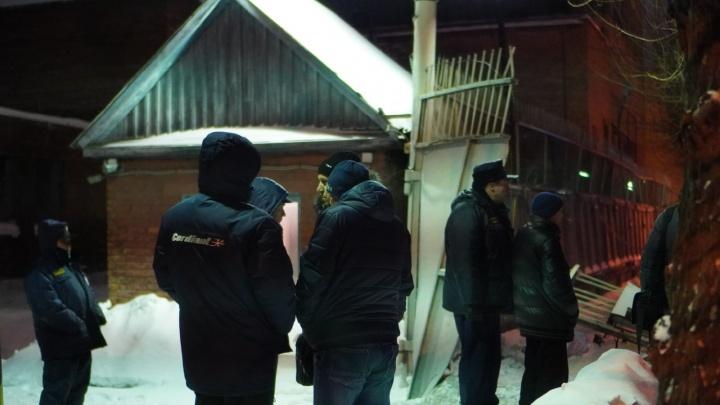 В Омске тепловоз обрушил стену— один человек погиб, двое в больнице
