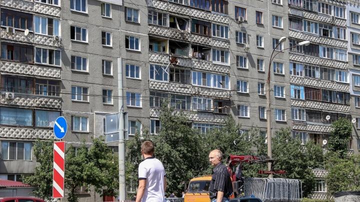 Ждут, когда дом обрушится? Владельцы квартир на Краснодонцев, 17 подали в суд на городскую администрацию