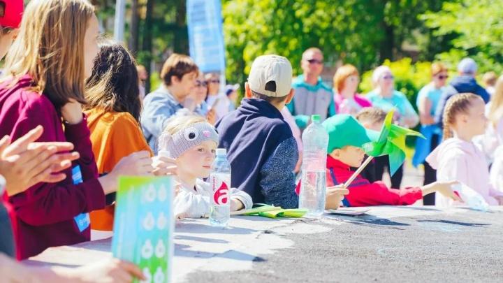 Бежим со смыслом: тысячи челябинцев приняли участие в «Зеленом марафоне»