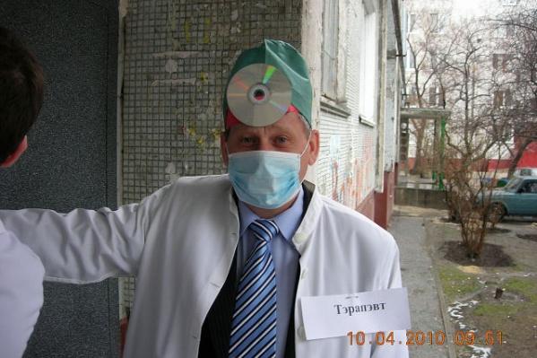 По информации коллег, врач тяжело перенес коронавирусную инфекцию