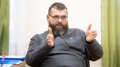 И.о. ректора духовной семинарии Максим Кокарев: «Золотых крестов мы не носим»