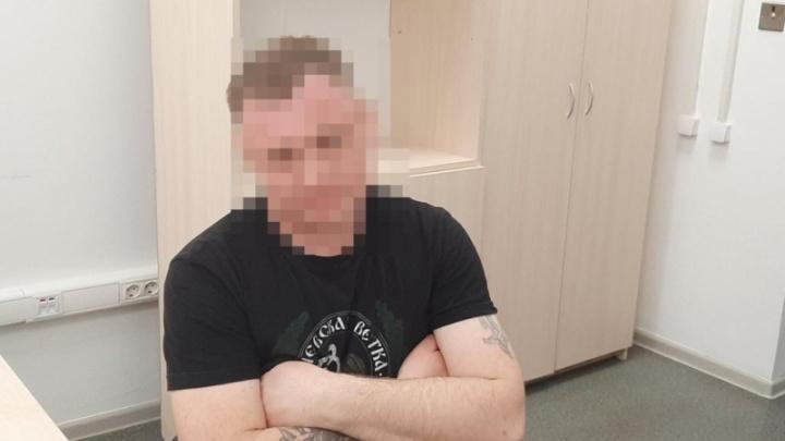 Мало того обыграли, еще и нахулиганили: болельщик «Динамо» зажег петарду на «Волгоград Арене»