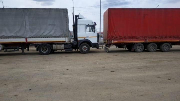 Неосторожность и невнимательность: в Волгоградской области в авариях пострадали два дальнобойщика