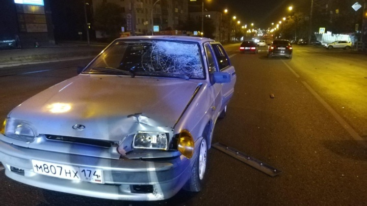 В Челябинске молодой мужчина погиб после двойного наезда на пешеходном переходе