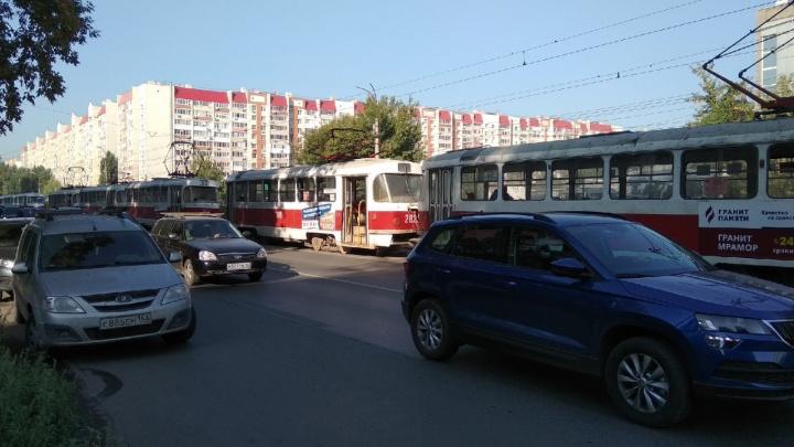 Стало известно, почему на Ставропольской встали трамваи