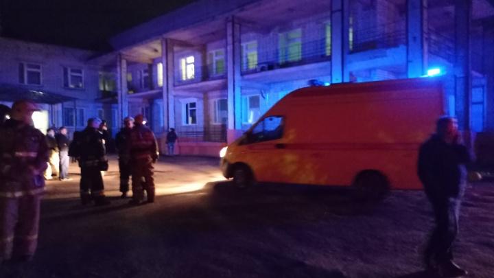 Есть погибшие: в Ярославле загорелось ковид-отделение. Фото
