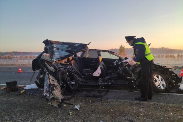 Водитель врезался в ехавшую впереди машину