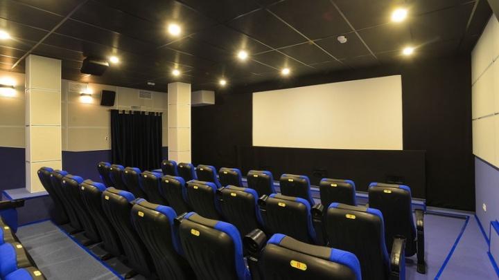 «Сократить расходы и ждать хорошего репертуара»: директор «Вавилона»— о том, как пандемия изменила кинотеатры