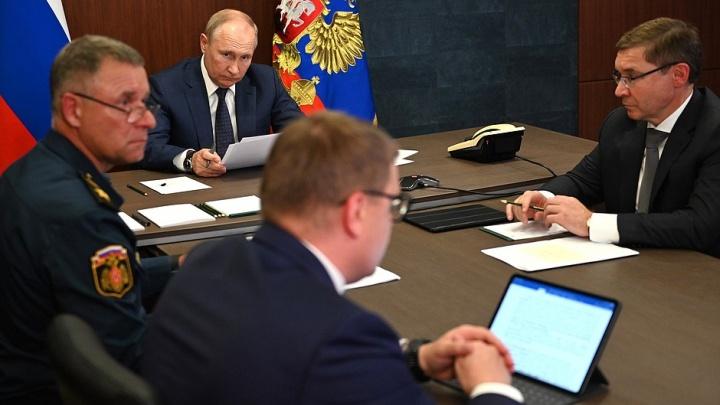 Путину назвали причины адских пожаров на юге Челябинской области и принесли «загадочную записку»