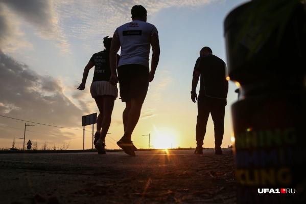 Одно из мероприятий — Всероссийский день ходьбы — называет своей целью вовлечение как можно большего количества участников