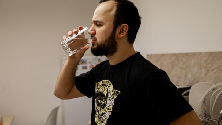 Пить или не пить: мы сдали тюменскую воду из-под крана влабораторию и выяснили, что вней