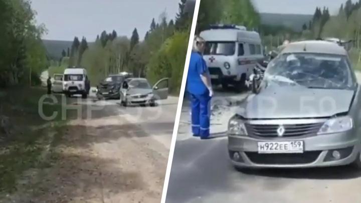 Возле базы отдыха «Жебреи» в ДТП погиб водитель Renault Logan