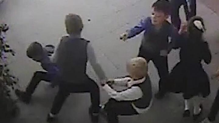 СК России заинтересовался происшествием в школе Новосибирска — там избили 8-летнего мальчика