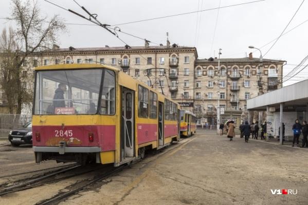В Волгограде вместо трамваев пустят автобусы. Речь о маршрутах, курсирующих на Ангарском