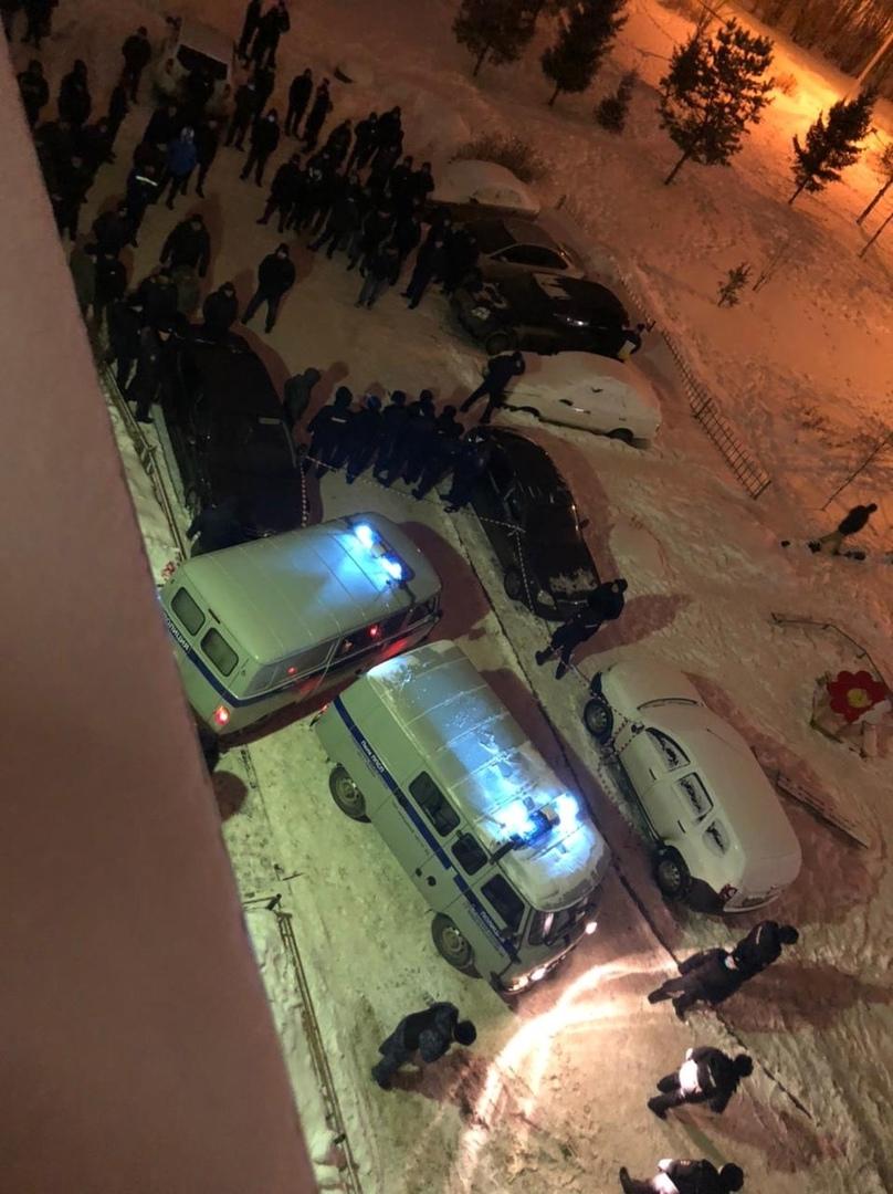 У места убийства собралось сто человек — все члены таджикской диаспоры