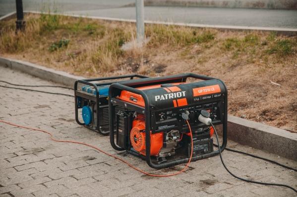 Громкие генераторы — одна из проблем Тюмени. Десятки торговых точек создают такой шумовой фон, что рядом не хочется ходить