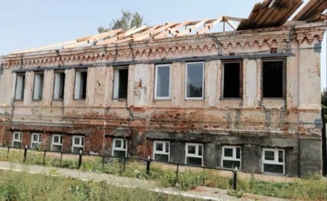 В Челябинской области при капремонте развалили школу искусств. Ее педагоги попросили помощи у Путина