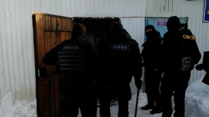 В Сургуте изъяли 8 тонн нелегальной водки. Так выглядит миллион, если потратить его на алкоголь