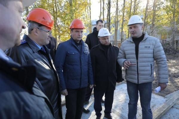 Возведение здания детского сада ведется в рамках нацпроекта «Демография». Общая стоимость <nobr>контракта —</nobr> более 280 миллионов рублей