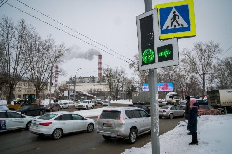 «За полгода сожжем бензина на 200млн»: новосибирец посчитал, сколько стоит пробка из-за строительства моста