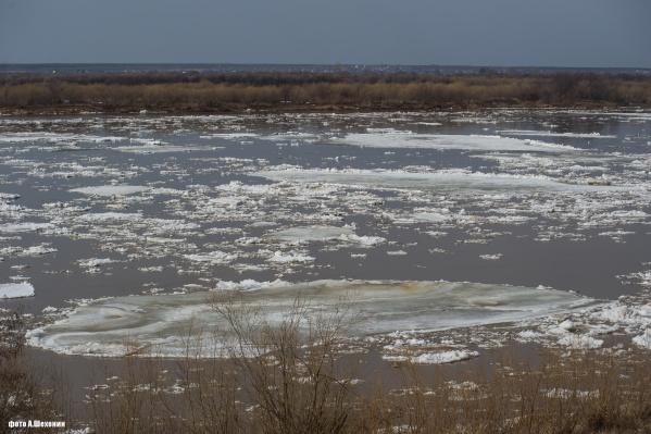 В Котласе лед тронулся — вот как это выглядит<br>