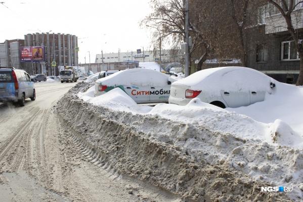 Сужение дороги наСеребренниковской