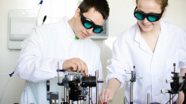 «Становись ученым и создавай квантовый компьютер»: топ профессий для абитуриентов с амбициями