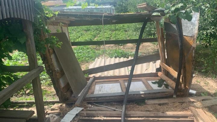 Под Волгоградом четыре человека, в том числе две женщины, погибли, пытаясь очистить скважину