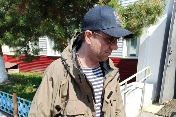 Без костюма или белого халата узнать Александра Мураховского было бы сложно