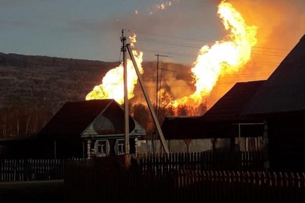Огонь напугал местных жителей