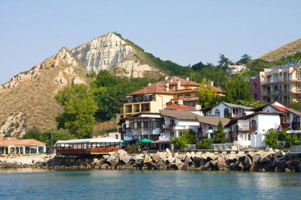 Границы для туристов открыты, правда, как добраться до Болгарии — пока вопрос