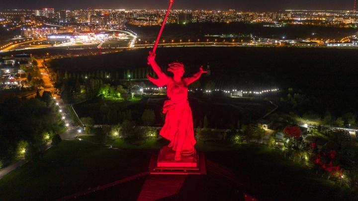 В Волгограде отрепетировали «Свет Великой Победы» — смотрите с высоты, как это было