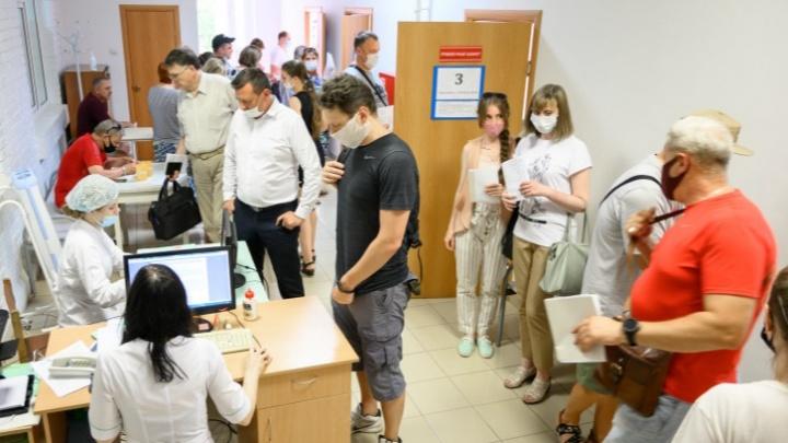 Готовность к вакцинации, ограничениям и пыльной буре: что случилось в Ростове — итоги недели