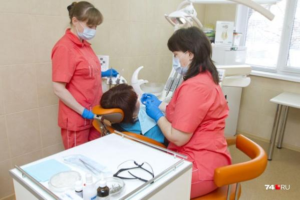 Сейчас в муниципальных стоматологиях бесплатно ставят только пломбы из цемента<br>