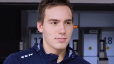 19-летний хоккеист умер в больнице после тяжелой травмы на льду