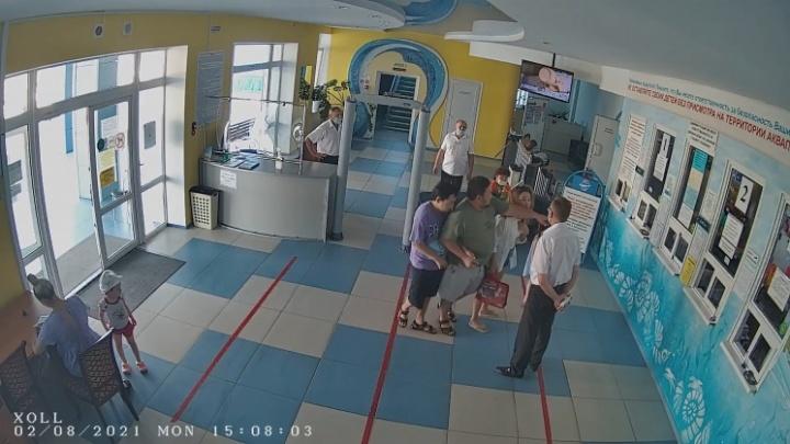 Волгоградский Роспотребнадзор возбудил дело на директора аквапарка, в который не пустили ребенка-аутиста
