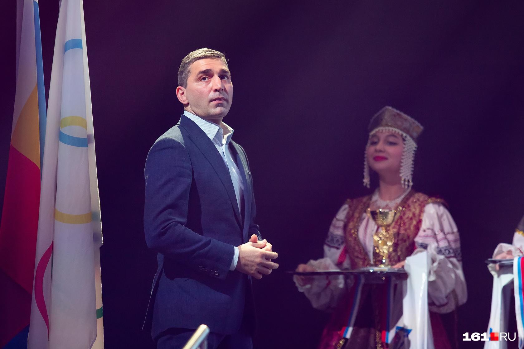 Награды спортсменам вручал олимпийский чемпион Вартерес Самургашев