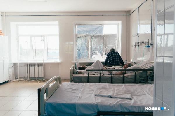 Увеличат количество мест для заболевших в городских и центральных районных больницах