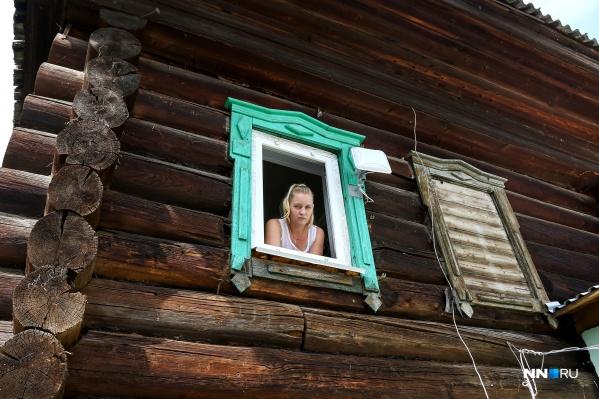 Через это окно Моталовы лазили в свою собственную квартиру